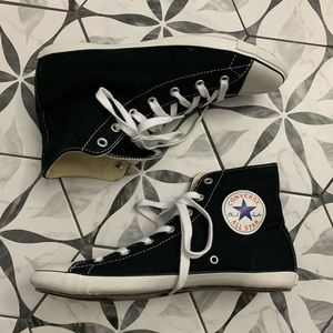 CONVERSE 🖤 EUC Black Chucks Small Brim sz W 7.5